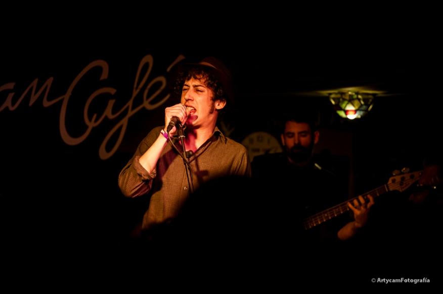 Paco Beneyto cantante Midnight Shots Noemie Artycam Fotografia documental música conciertos grupos El Gran Café