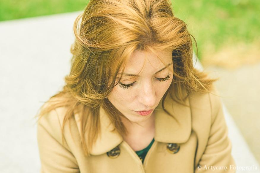 chica guapa rubia Musac moda abrigo colores bonitos fotografía León Artycam