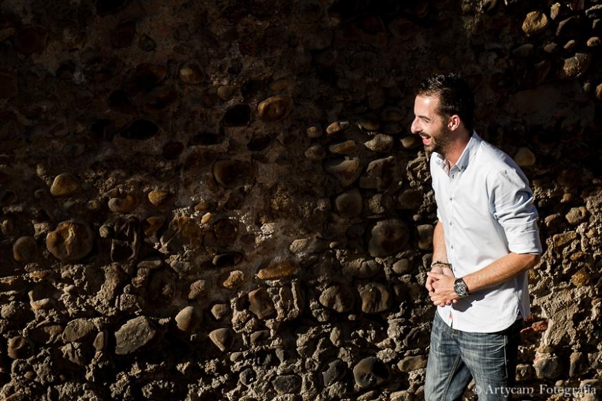 chico sonrisa enamorado murallas piedra Fotografos diferentes León Artycam