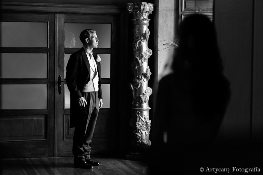 Romantic english wedding photography from Castilla y León beauty Subtlety Parador de San Marcos