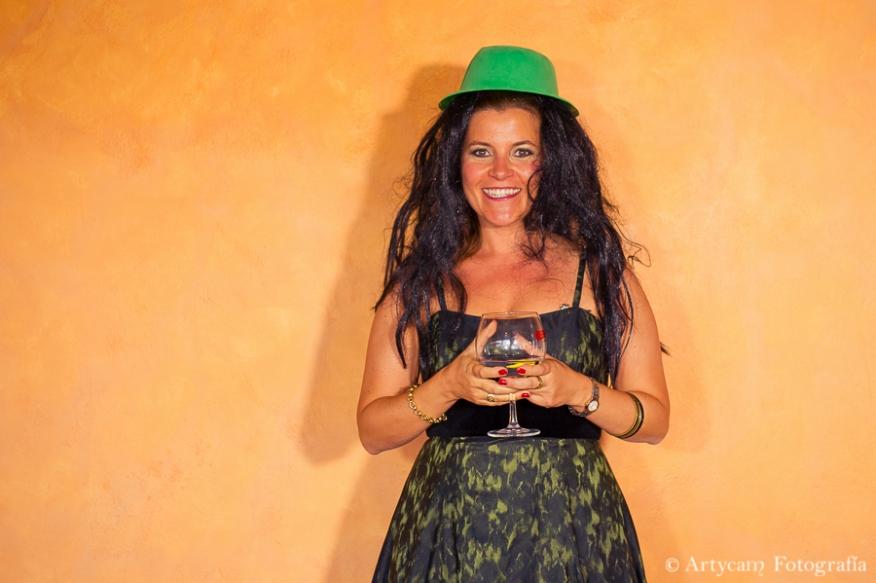 Photocall fondo naranja sombrero verde artycam foperiodismo nacional León
