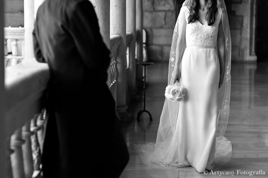 Romantic english wedding photography from Castilla y León beauty Subtlety Parador de San Marcos